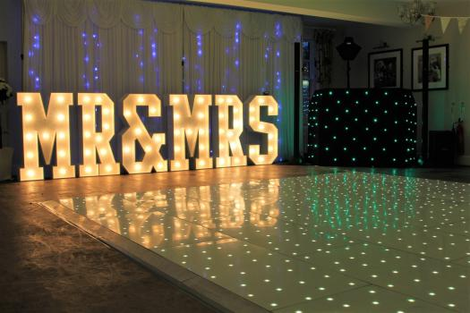 4ft Mr and Mrs Letters